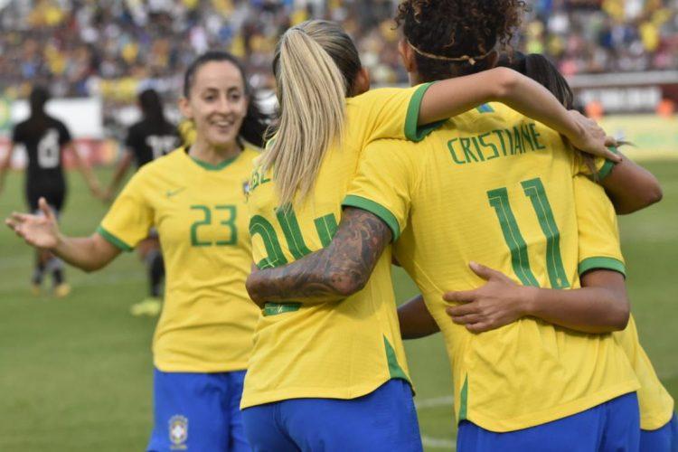 Seleção feminina aumenta série invicta e encerra 2019 com vitória