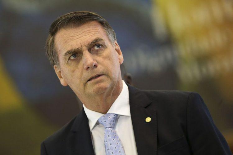 Bolsonaro diz que hoje Brasil é um país favorável a se investir e gerar empregos