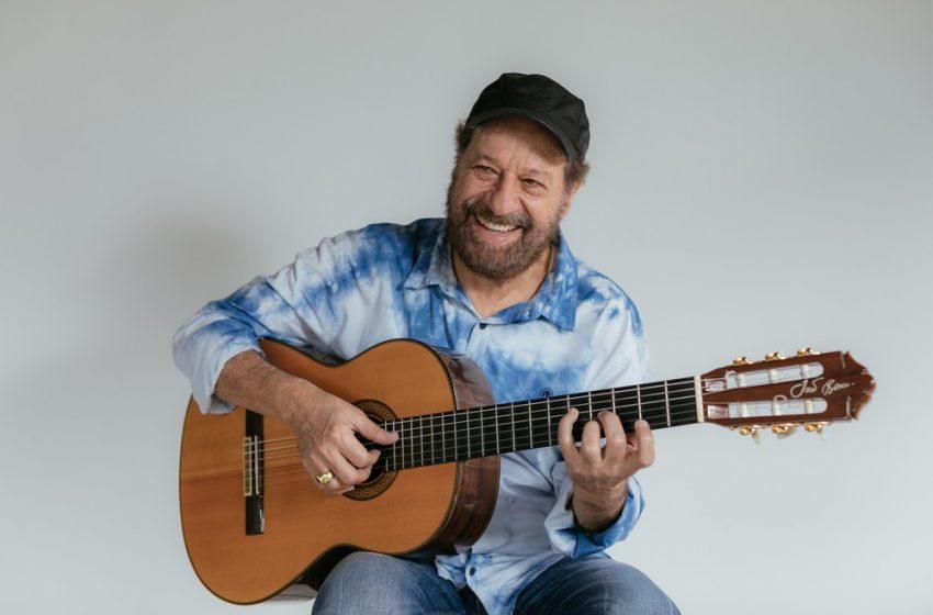 João Bosco revive sucessos da carreira em show voz e violão em Natal