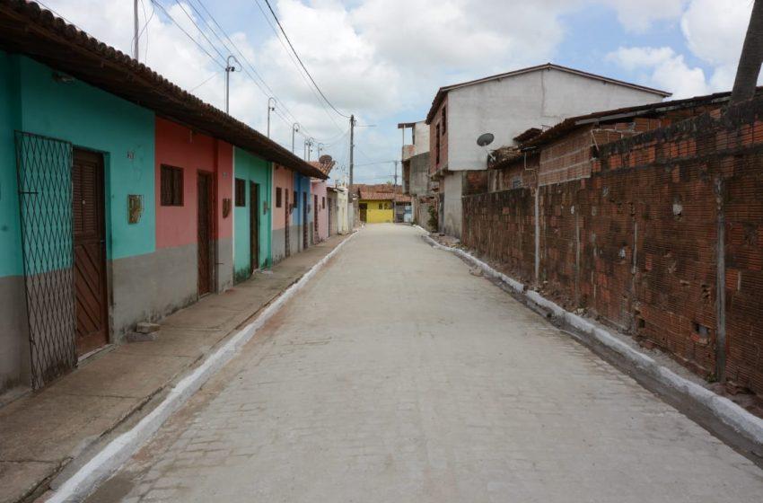 Prefeitura de São Gonçalo entrega novas ruas pavimentas e iluminadas com LED no bairro Golandim