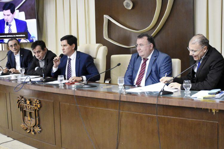 Comissão recebe 13 emendas para a PEC da Reforma da Previdência