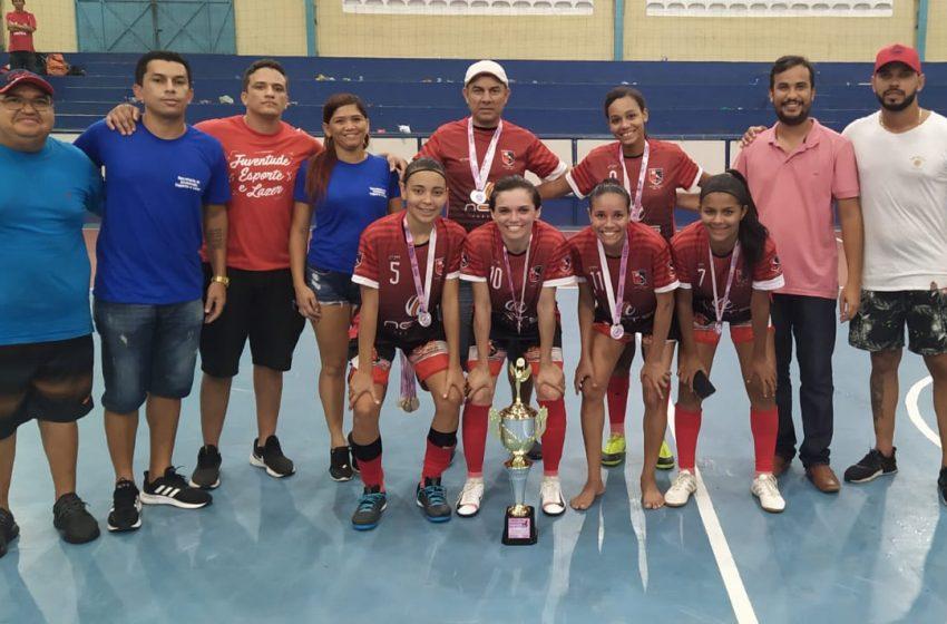 Torneio de futsal feminino marca o Dia da Mulher
