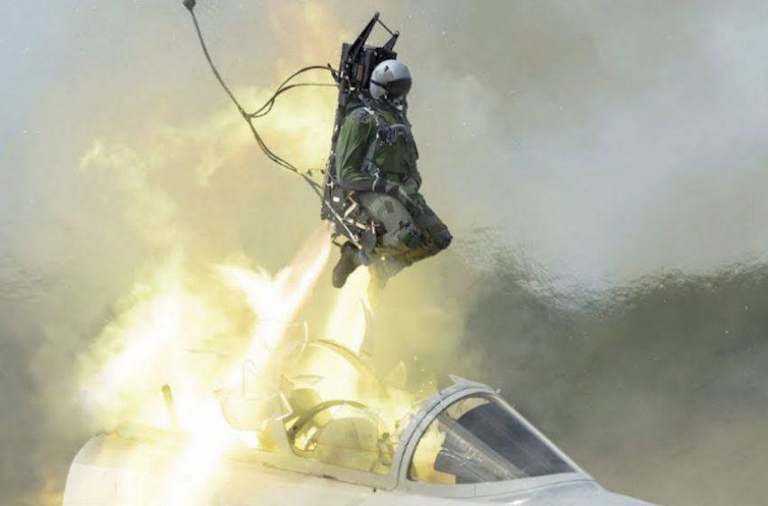 Militar ejetou de avião da FAB e foi resgatado em praia no RN