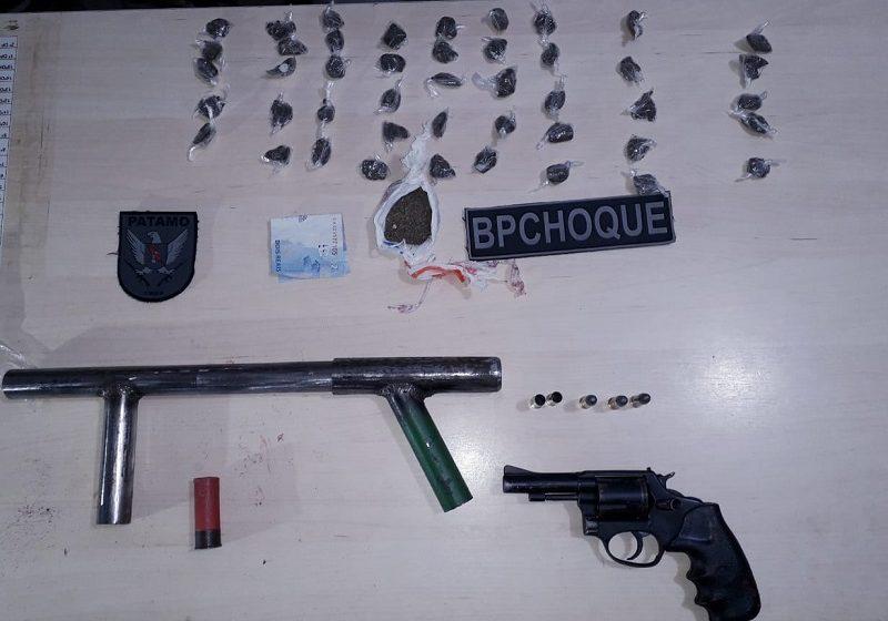 BPCHOQUE apreende armas e drogas após confronto na zona Oeste de Natal