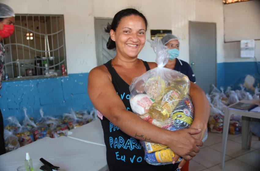 Prefeitura realiza entrega de cestas básicas aos beneficiários do 'Comida Boa'