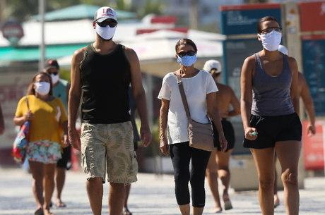 Prefeito de Natal anuncia decreto que estabelece uso obrigatório de máscaras em locais públicos