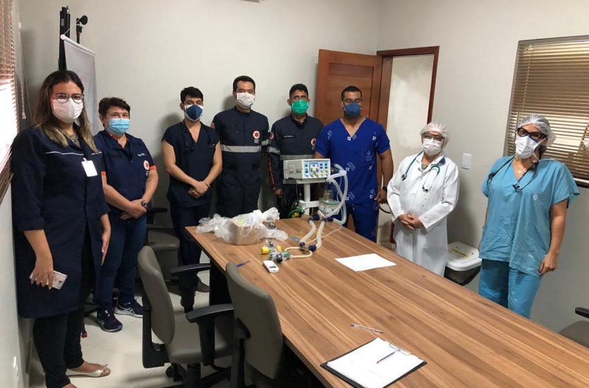 Instrutores do Samu fazem capacitação de uso do respirador pulmonar com médicos e enfermeiros do Hospital Belarmina Monte
