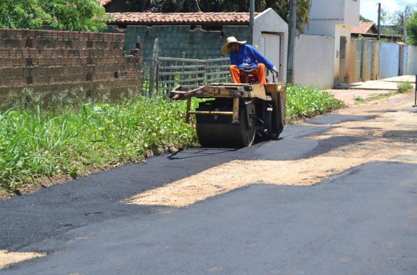 Moradores comemoraram operação tapa-buracos no Bairro Jardins em São Gonçalo do Amarante.