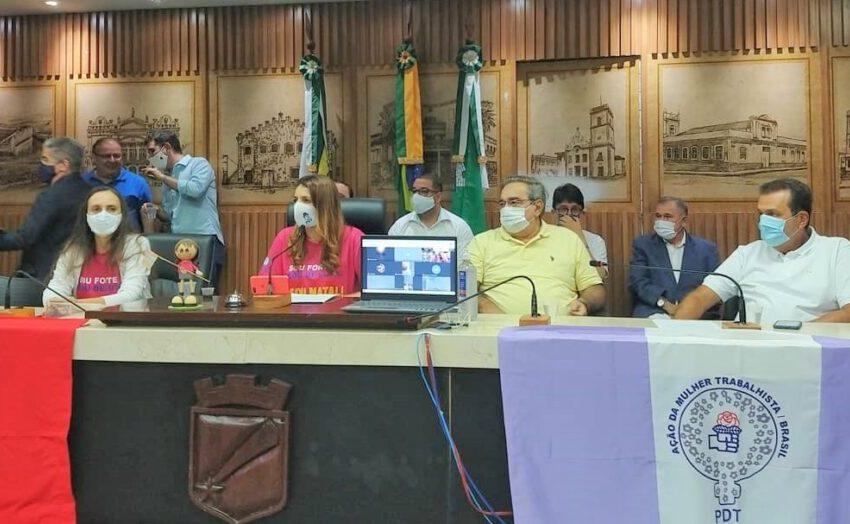 Em convenção, PDT confirma apoio a Álvaro Dias e indica prima da mulher de Carlos Eduardo para vice