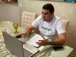 Poti Neto tenta impedir que população reconheça o trabalho de Paulinho no Facebook e sai derrotado