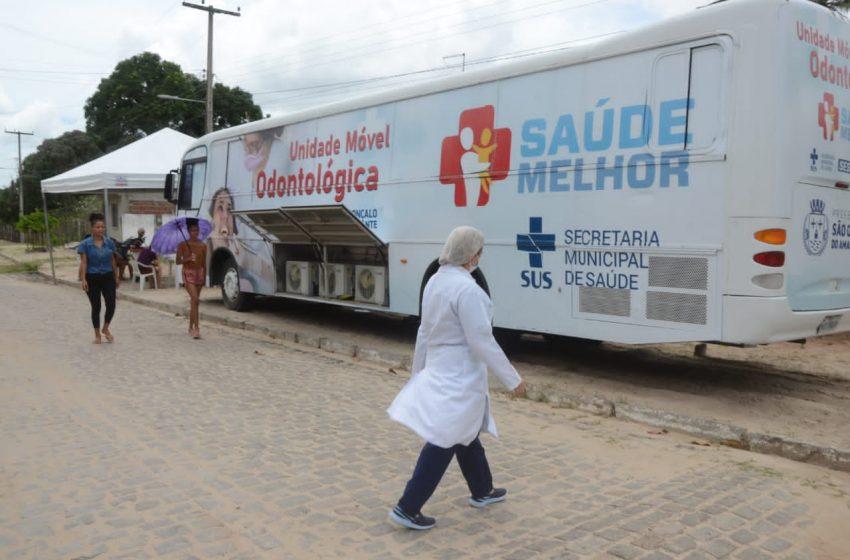 Unidade Móvel Odontológica está realizando atendimentos na comunidade de Olho D'água do Chapéu
