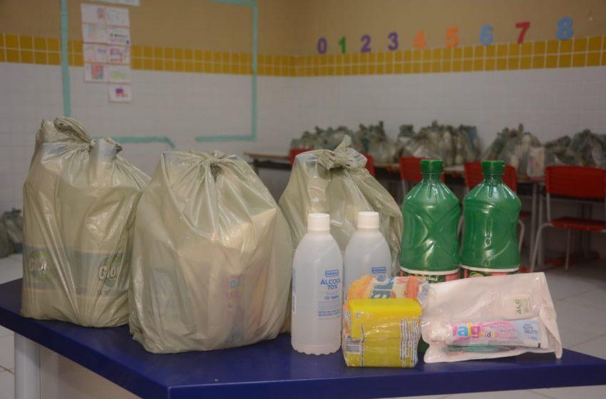 Prefeitura realiza distribuição de kits de higiene para famílias do Amarante, Golandim, Regomoleiro e Santo Antônio