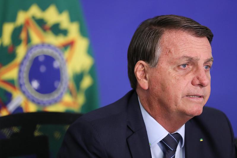 'Queremos diminuir os impostos sobre combustíveis', afirma Bolsonaro