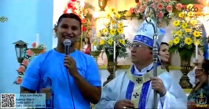 Arcebispo se desculpa após negar entrevista; internautas falam em LGBTfobia