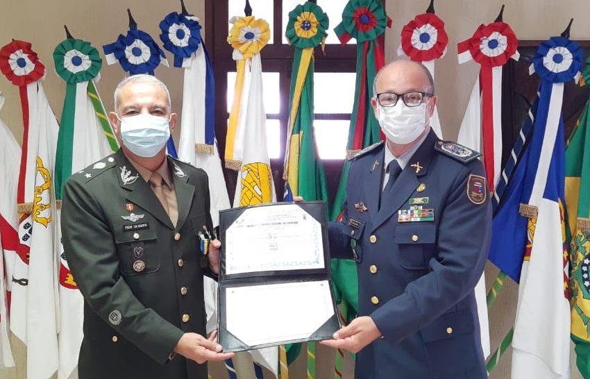 Polícia Militar do RN homenageia General de Brigada com Medalha Luiz Gonzaga