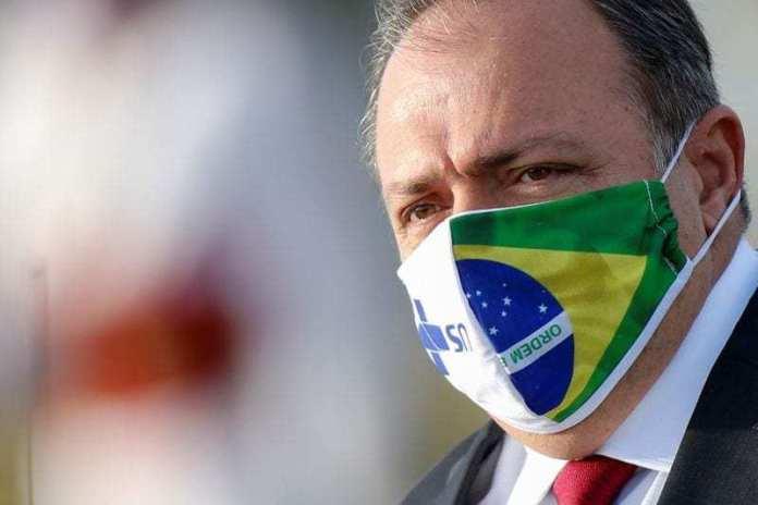 Pazuello pede para deixar comando de ministério e Bolsonaro discute nomes para substituição