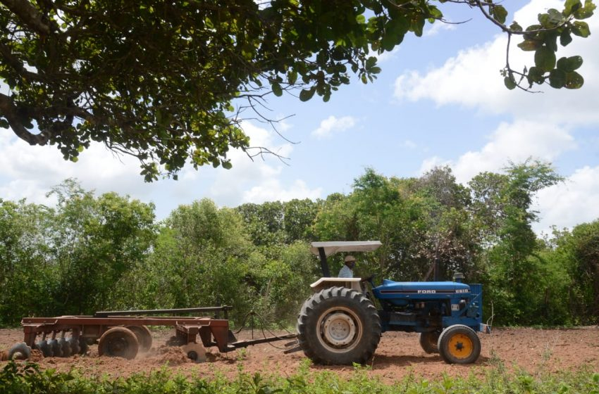 Prefeitura Municipal inicia atividades do programa Corte de Terra 2021