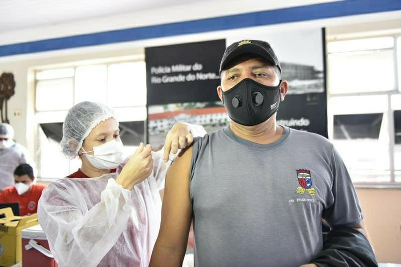 Agentes de segurança pública do RN recebem quarta remessa de doses contra o coronavírus