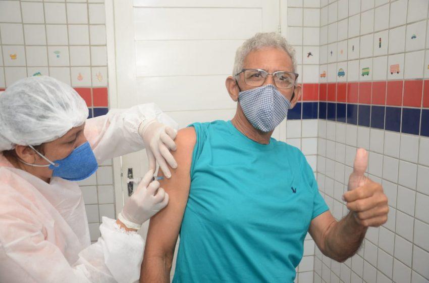 São Gonçalo retoma vacinação da 2ª dose com Coronavac para quem completou o prazo nos dias 3 e 4 de maio