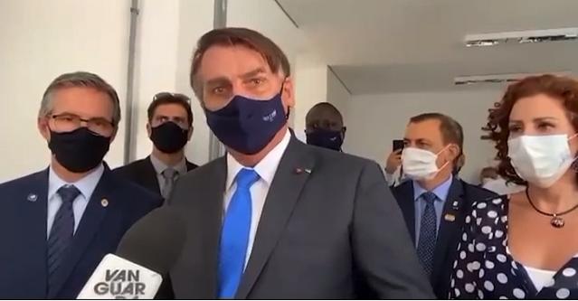 """""""Vocês são canalhas. Fazem um jornalismo canalha"""", diz Bolsonaro contra a Globo: vídeo"""