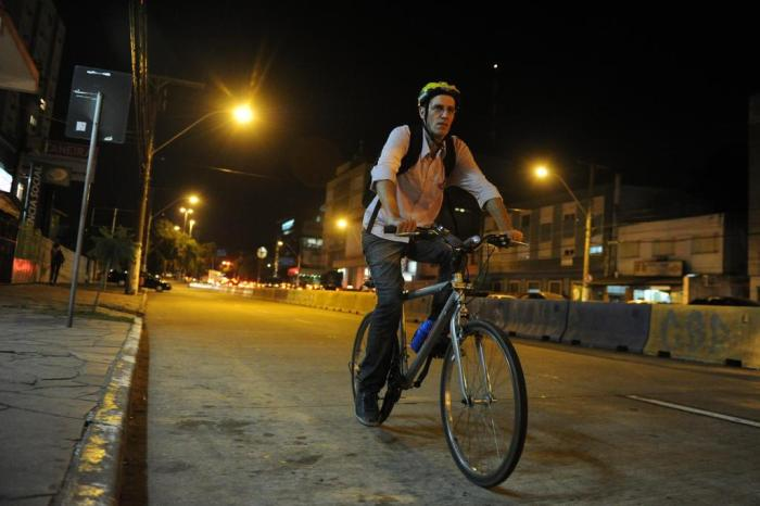 Com combustível mais caro, motoristas substituem carros por bicicletas no RN