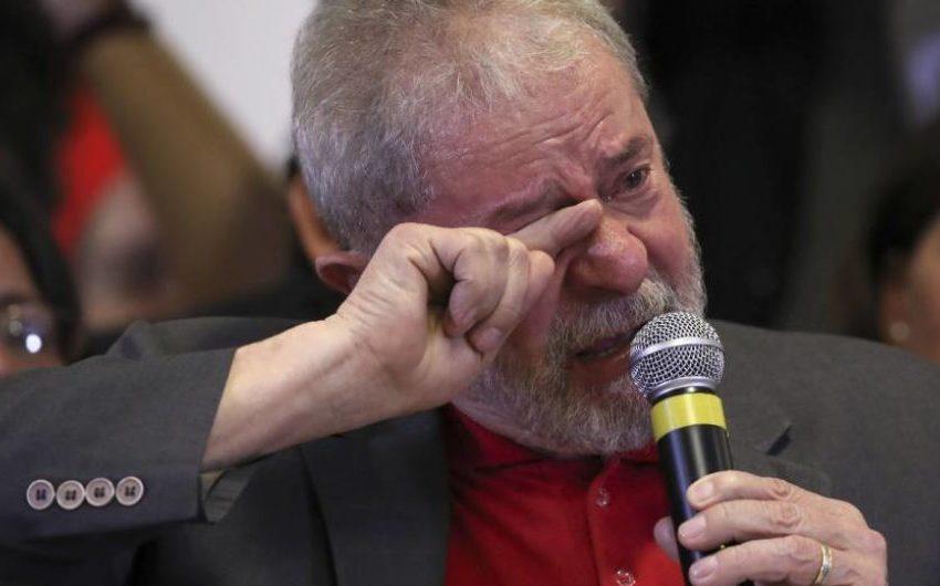 Mesmo com os bens bloqueados, Lula vive com salário do PT