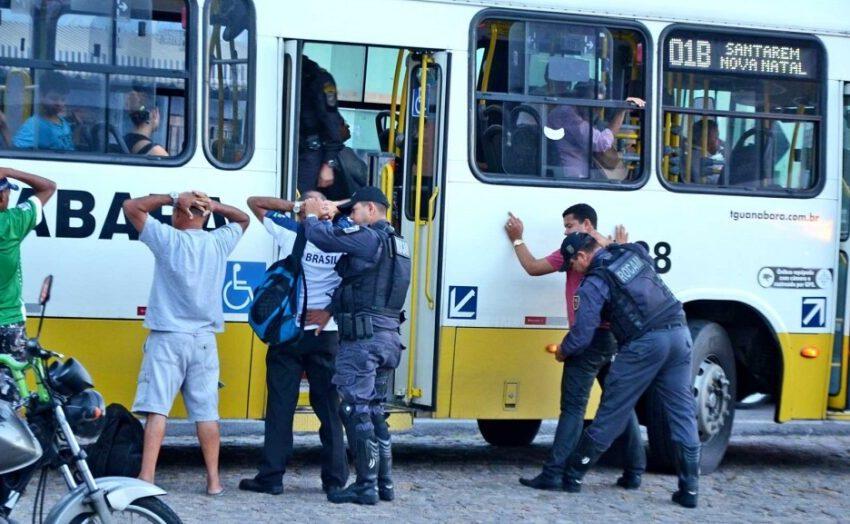 Acusado de roubo em ônibus em Natal é condenado a 6 anos de prisão